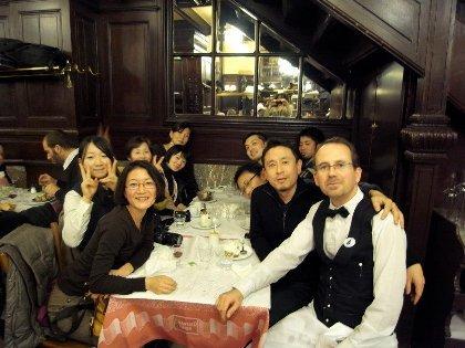 飯田氏との出会いをきっかけに実現した、パリのカフェを巡るツアー
